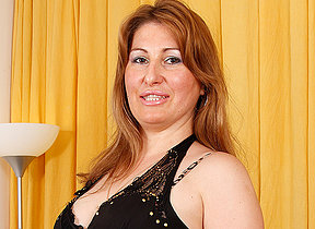 Horny MILF effectuation with herself