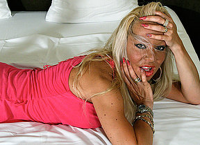 Hot blonde housewife getting very juicy