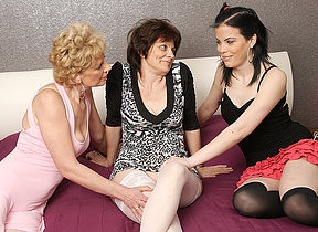 Three old and young lesbians make out and then some