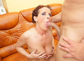 This horny mommy loves to get a pie and a pee