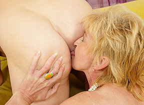 Two mature whores sharing one creampie