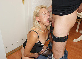 This horny mature mommy gets it hard and long