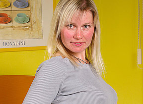 Blonde missis Patricia gets juicy all alone
