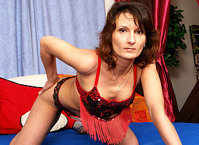 Kinky missis Stepanka loves to play alone