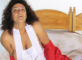 Naughty mature Madhia loves to get juicy