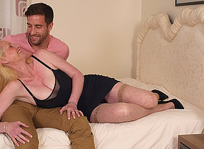 Sexy British missis enjoys her toyboy