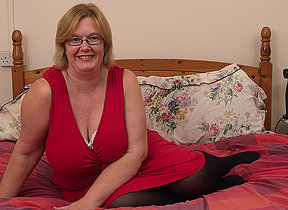 British mature lady shows her big tits and masturbates