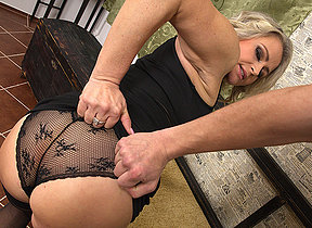 Sexy MILF gets it in pov style