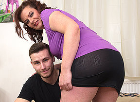 Curvy housewife fucking with her toyboy