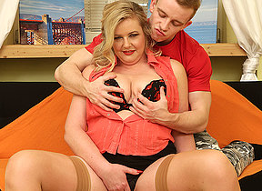 Chubby mature lady having fun with her boyfriend
