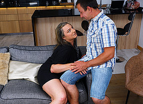 This curvy mature lady does her toyboy hard and good