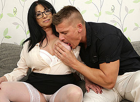 Big titted small milf fucking a tall younger dude