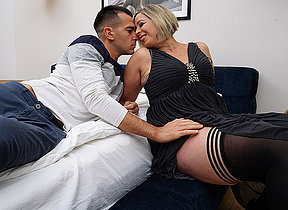 Hot British mom gets her cunt eaten and is fucked by her stud